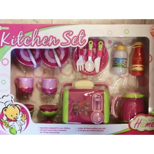 Caja con utensilios y accesorios de cocina para desayuno.